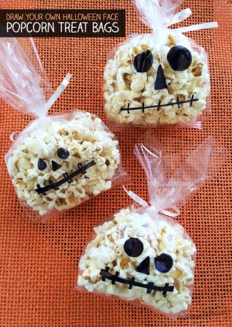 spooky-doodle-face-popcorn-bags